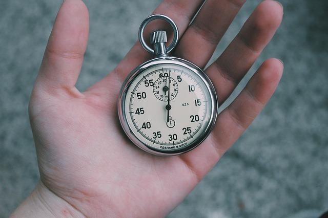Chwilówki pozabankowe online – jak działają? Dla kogo?